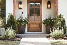 Front Door Ideas / Front Door Colors| Front Door Decor| Front Door Ideas | Front Door Wreaths