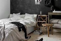 Bett Ideen / Das eigene Bett ist für viele der schönste Ort der Welt. Zurecht. Denn über die reine Funktionalität hinaus kann man das Bett mit etwas Geschick zu einem wahren Paradies verwandeln. Hier sammeln wir Ideen aus dem Bereich Schlafzimmer, Möbel, Deko und Design. Damit Schlaf wirklich zur schönsten Sache der Welt wird.