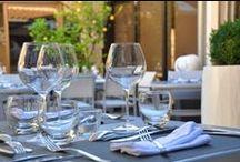 Restaurant / LE CARRE DES SAVEURS - L'hôtel dispose de son restaurant, mélangeant fraicheur, arômes, créativité et tradition. La Provence, la Méditerranée, les Cévennes et l'Ardèche s'invitent à table pour votre plus grand plaisir. Ouvert au grand public. 7j/7j Midi & soir