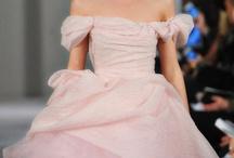 dream dress  / by Emily Pillard