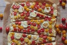 Flammkuchen & Pizza   Rezepte / Ideen für knusprige Flammkuchen und herzhafte Pizza. Schnell, einfach und lecker!