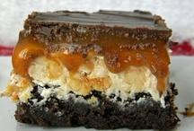 Brownies, Blondies, Bars & S'mores / by Nadine Frandsen