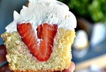 Sweet Treats! / by Rebecka Guarino