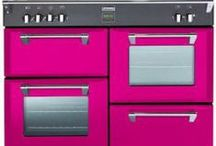 Pink Kitchen Appliances & More / Bring some pastel and neon pink into your kitchen with these sweet coloured appliances and extras