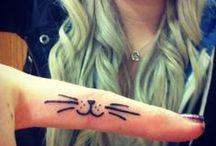 Tatoo / Quero ficar no teu corpo feito tatuagem Que é pra te dar coragem pra seguir viagem quando a noite vem