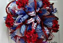 Patriotic / Collection of patriotic decorating ideas, crafts for 4th of July, Memorial Day, Labor Day....or just anytime you're proud to be an American))) Visit http://www.trendytree.com for tons of Patriotic decorations and ideas.
