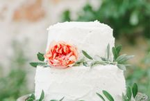 wedding cakes / by Ariana Clare