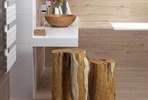 Stylové řešení Dřevěná koupelna / Koncept dřevěná koupelna. Dřevo, přírodní materiály a nekonečné množství jejich více než precizních imitací nepřestávají fascinovat. A pokaždé, v koupelně vytvořené s nádechem wellness stylu, na vás dýchne pohoda a útulnost. Příjemná atmosféra. Místo pro zasloužený relax po náročném dnu.