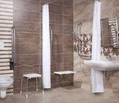 Řešení Bezbariérová koupelna / Bezbariérová koupelna by měla být pohodlná a bezpečná, s dostatkem volného prostoru.
