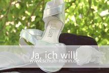 Ja, ich will! // schuh-mann.de / Damit deine Hochzeit zum schönsten Tag in deinem Leben wird, muss sie genau durchdacht sein. Das perfekte Brautkleid, eine gut organisierte Party und kreative Dekorationsideen sind dabei genauso wichtig, wie die passenden Schuhe. Auf www.schuh-mann.de findest du bequeme Pumps, Stilettos, Sandalen oder hochwertige Ballerinas, die dein Traumkleid perfekt ergänzen.