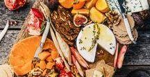 Say Cheeeese / Moi, quand je vois du fromage, j'ai immédiatement le sourire aux lèvres. Pas vous ? En tant que grande gourmande (et bonne française) je vous propose ici des idées pour créer votre propre plateau de fromages.
