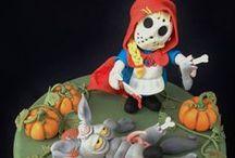 Cappuccetto Rosso Cake / Cappuccetto Rosso è una delle fiabe europee più popolari al mondo, di cui esistono numerose varianti; è stata trascritta, tra gli altri, da Charles Perrault e dai fratelli Grimm (wikipedia)