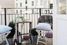 Kleine Balkone gestalten / Tiny balconies invites us to stay up all night during warm summer nights. #summerdays