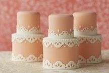 Petit Fours and Mini Cakes / by Delaney Graves