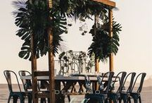 Organic theme beach wedding ideas in Cabo / A board full of tips, ideas, flowers, decorations for your perfect organic wedding. Get inspiration in rustic floral décor adding soft lights and candles in your destination wedding.