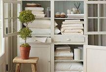 Linen Closet / Linen closets, closet organization, closet ideas, linen closet ideas, linen closet organization, closet inspiration, linen closet inspiration, organized closet, organizer linen closet, closets, closet design, closet style, closet decor