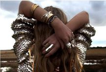 GOLD ▲ / Gold / Glitters / Colors / Girls / Love / Woman / Style / Fashion / Clothes / Dore / Amour /