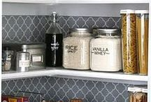 Pantry Organization / One of the keys to successful meal planning is having an organized pantry. This will help you to know what you have on hand and what you need to buy when you go grocery shopping. Find more meal planning and organization tips at www.mealplanningmama.com