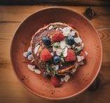Protein Pancake Recipes / Delicious protein pancake recipes that get you the macros you need.