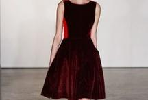 Luxurious Dresses / by Joana Paiva