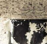 Van Buren ✽ Koeienhuiden / Onze koeienhuiden zijn kenmerkend door de kwaliteit van looien en de glans van het haar. Volg dit bord voor het zien van de verschillende koeienhuiden & interieurtips!