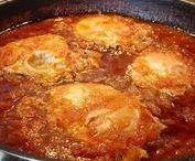 Καγιανάς / Οι ντομάτες με αυγά, γνωστή και ως Καγιανάς ή Στραπατσάδα