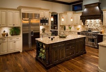 Awesome Kitchen Ideas / Kitchens I like. / by Alycia Martin