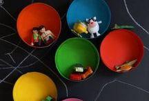 Déco chambre d'enfant / Dans ce tableau, des idées pour décorer avec originalité la chambre d'un bébé ou d'un enfant (fille et garçon). Vous y trouvez de nombreux tutoriels pour fabriquer des créations originales : décorations murales ou à poser, meubles, rangements, objets ludiques...