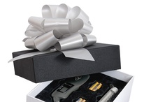 Black Label Collection / Debco is proud to introduce its Black Label line of holiday gift products.  This season we made a point of featuring sought-after business and gift-giving items that exude a high perceived value.  By including luxurious packaging on several options, we've made gift-giving simple and affordable.  Whether you're rewarding employees this holiday season or shopping for your top clients, our Black Label line has you covered.