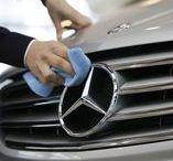 S. & W. Automobily s. r. o. / Společnost S. & W. Automobily s.r.o. byla založena v roce 1996 a v předchozím roce jsme podepsali smlouvu o autorizovaném prodeji a servisu vozidel Mercedes-Benz, Fuso a v té době ještě i koncernových vozech Jeep, Chrysler, Dodge. V roce 1996 jsme pak otevřeli showroom a servis v Karlových Varech a později toho roku i zastoupení v Ústí nad Labem, které od roku 2000 sídlí v současných prostorách v Přístavní ulici.
