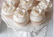 White & Cream Desserts / Chic desserts from the white & cream color palette!