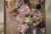 Scrapbook - Mini Albums / by Linda Griffin