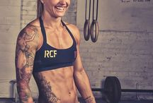 Fitness bods / Abs on abs