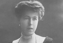 "UK Alexandra 4th Child Alfred & Maria / Princess Alexandra ""Sandra"" (Alexandra Louise Olga Victoria) (1878-1942) UK married Prince Ernst II (Ernst Wilhelm Friedrich Carl Maximilian) (1863-1950) Hohenlohe-Langenburg, Germany.  Alexandra is 4th child of Prince Alfred (1844-1900) Duke of Edinburgh, UK & Germany & wife Maria Alexandrovna (1853–1920) Russia. Ernst is 1st child of Prince Hermann (Hermann Ernst Franz Bernhard) (1832-1913) Hohenlohe-Langenburg, Germany & Princess Leopoldine (Leopoldine Wilhelmine) (1837-1903) Baden, Germany."
