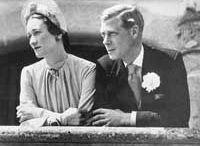 "Couple Edward VIII & Wallis / The relationship & marriage of Edward ""David"" (Edward Albert Christian George Andrew Patrick David) Prince of Wales, UK then King Edward VIII (23 Jun 1894-28 May 1972) abdicated the UK Throne to marry twice divorced American Wallis Simpson (Bessie Wallis Warfield-Spencer-Simpson)  (19 Jun 1896-24 Apr 1986). At abdication & marriage, Edward VIII became Edward Windsor & Wallis Simpson became Wallis Windsor."