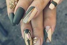 Fleeky Nails