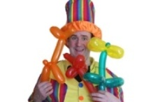 Party Entertainers / Hire an entertainer from Oscar's Den for your children's party or corporate event