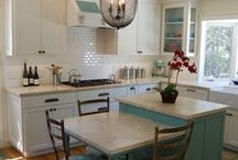 Kitchens / by Tami Mahan
