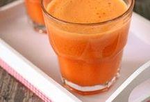 Gemüsesäfte Rezepte / ...so ein frisch gepresster Orangensaft zum Frühstück ist schon eine tolle Sache! Aber es muss nicht bei Orangen bleiben! Frische Säfte haben eine Menge Vorteile: - Vitalstoffe sind noch im Saft enthalten. - Du kannst schneller mehr Vitamine mit Saft aufnehmen, als wenn du ganzes Obst essen würdest. - Mögliche Gifte und Pestizide stecken eher in den Fasern der Früchte, die nach dem Entsaften nicht verzehrt werden. Mit einem Entsafter kannst du dir vitaminreiche Obst- und Gemüsesäfte mixen.