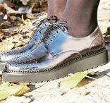 Derby & Richelieu Muratti Paris / A la recherche de chaussures de ville en cuir élégantes et avec un brin d'originalité? Muratti vous propose une sélection de modèles chics et décontractés.