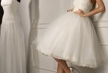 Short Wedding Dresses / Short or tea-length bridal gowns are growing in popularity and are a great way to show off a cute pair of shoes. In either a Vintage or modern style, short dresses work brilliantly for a more relaxed wedding.  / by Bride.com.au