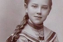 Fashion (1880 - 1900) - Late Victorian