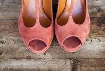 zapatos / by Barbara Casas