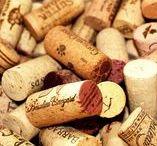 DIY Rolhas de Vinho / Ideias fáceis de decoração com rolhas de vinho. Saiba como surpreender e criar itens inusitados para decorar com rolhas. Aqui você também encontra várias referencias DIY!