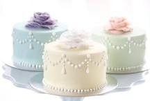 Pretty Cakes / by Pretty Sweetz