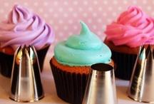 Cupcake Tips & Tutorials / by Pretty Sweetz