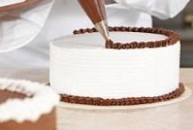 Cake Tips & Tutorials / by Pretty Sweetz