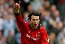 Manchester United All-Time XI / Kitbag picks... the Manchester United All-Time XI. Check out the Manchester United range at Kitbag.com here: http://ow.ly/eHulg
