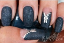 Nails / by Maraca FS