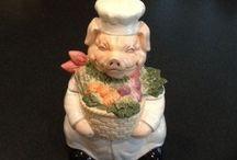 Piggie Cookie Jars / by Joyce French